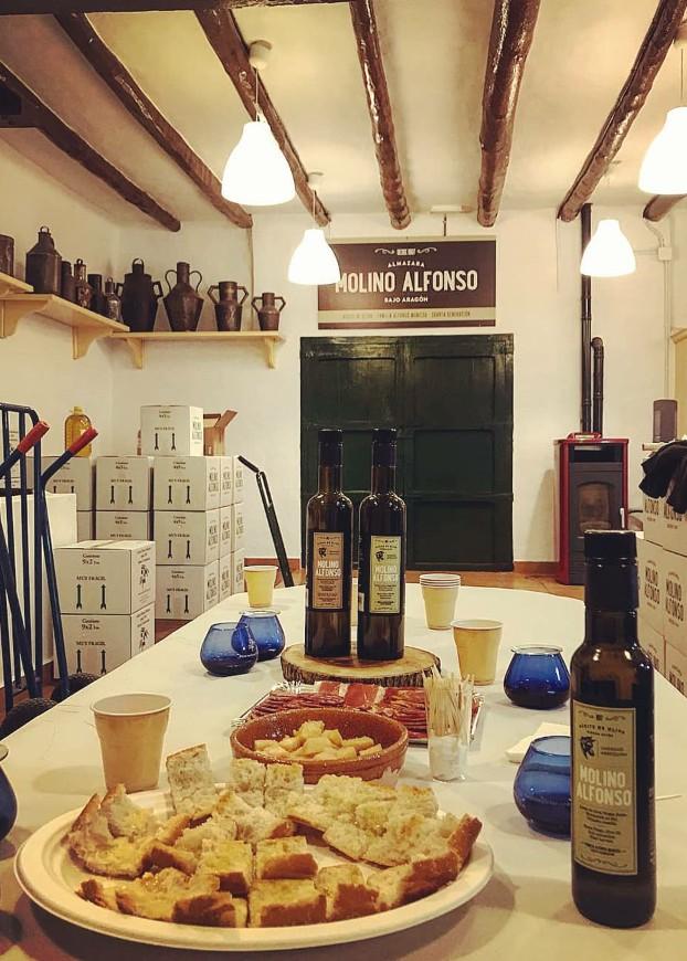 Aceite de Aragón. Aceite de oliva de Aragón. Botellas y recipientes
