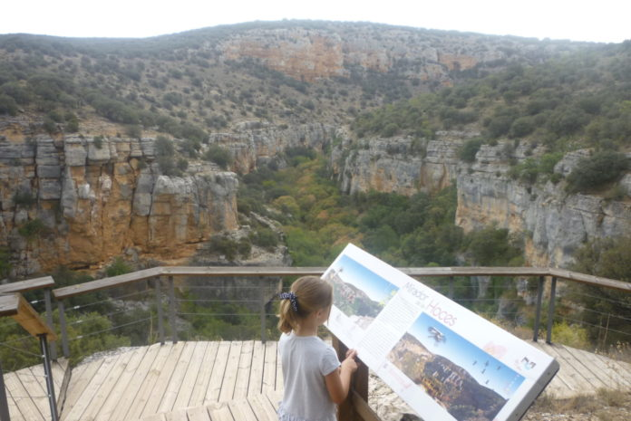 13 hiking routes throughout the province of Zaragoza
