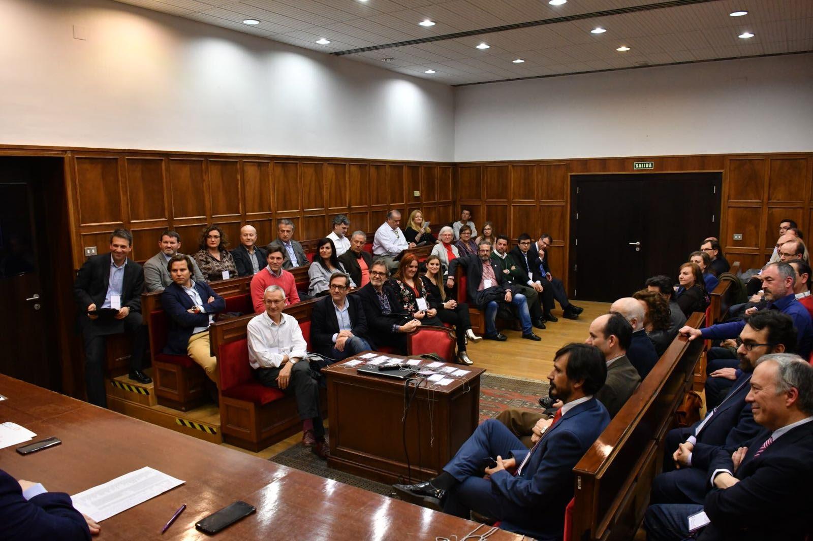 Foto de Manuel Baile durante la presentación de la Cátedra Comuniter de Administracion de Fincas