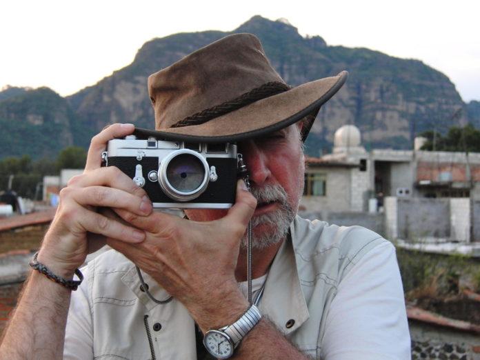 Javier Espada taking a photo. Buñuel
